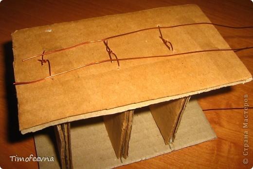 Здравствуйте!! В этом блоге я хочу показать небольшой МК очередной моей мебели из картона для куклы Барби младшей дочки. А именно процесс создания письменного стола. фото 14