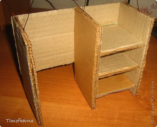 Здравствуйте!! В этом блоге я хочу показать небольшой МК очередной моей мебели из картона для куклы Барби младшей дочки. А именно процесс создания письменного стола. фото 18