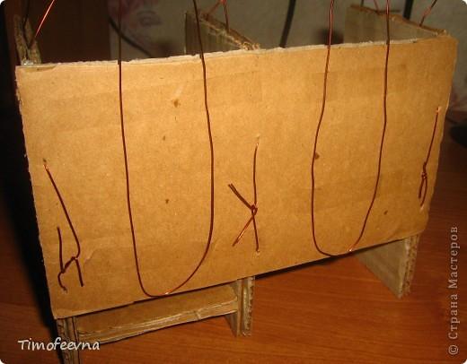 Здравствуйте!! В этом блоге я хочу показать небольшой МК очередной моей мебели из картона для куклы Барби младшей дочки. А именно процесс создания письменного стола. фото 20