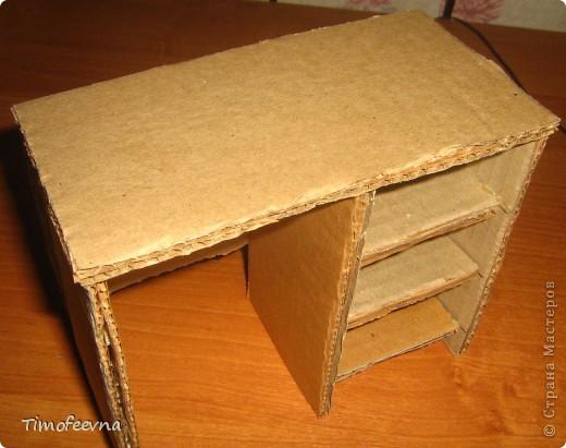 Здравствуйте!! В этом блоге я хочу показать небольшой МК очередной моей мебели из картона для куклы Барби младшей дочки. А именно процесс создания письменного стола. фото 22