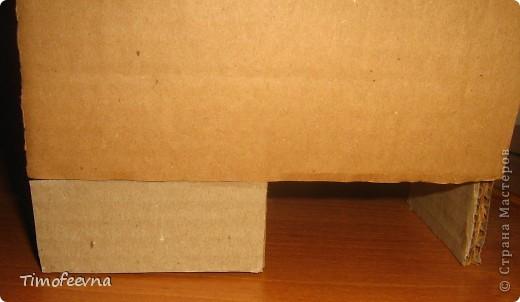 Здравствуйте!! В этом блоге я хочу показать небольшой МК очередной моей мебели из картона для куклы Барби младшей дочки. А именно процесс создания письменного стола. фото 24