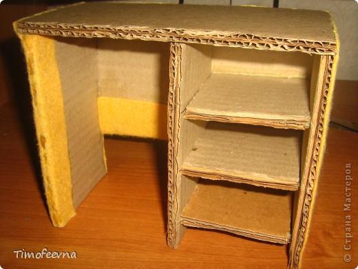 Здравствуйте!! В этом блоге я хочу показать небольшой МК очередной моей мебели из картона для куклы Барби младшей дочки. А именно процесс создания письменного стола. фото 30