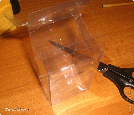 Здравствуйте!! В этом блоге я хочу показать небольшой МК очередной моей мебели из картона для куклы Барби младшей дочки. А именно процесс создания письменного стола. фото 35
