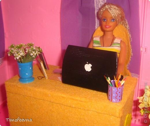 Здравствуйте!! В этом блоге я хочу показать небольшой МК очередной моей мебели из картона для куклы Барби младшей дочки. А именно процесс создания письменного стола. фото 45