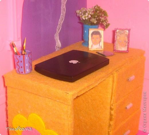 Здравствуйте!! В этом блоге я хочу показать небольшой МК очередной моей мебели из картона для куклы Барби младшей дочки. А именно процесс создания письменного стола. фото 46