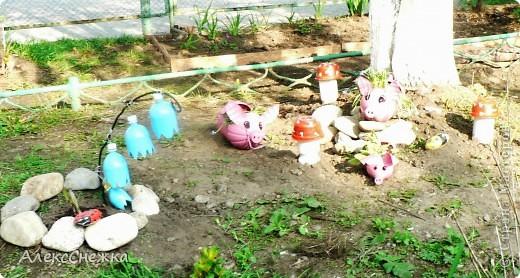 Вдохновившись идеями Нашего сайта, решили украсить клумбу, возле детской площадки во дворе. фото 1
