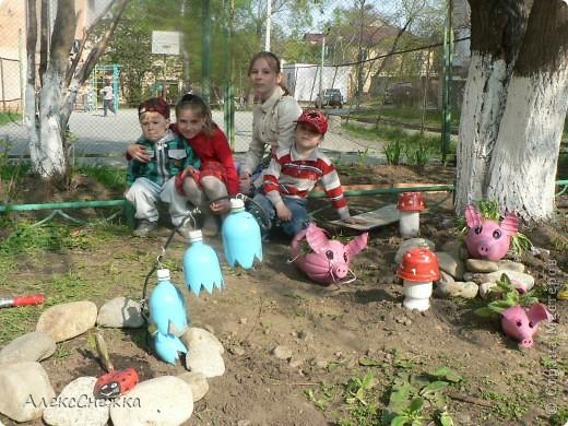 Вдохновившись идеями Нашего сайта, решили украсить клумбу, возле детской площадки во дворе. фото 2