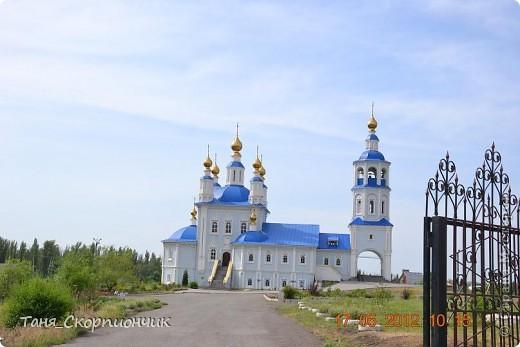 Проснулись. Размялись. Умылись. Подкрепились.  Поехали в Тернополь к давним давним знакомым. К папиному брату. И ещё хотели окрестности посмотреть,но из-за очень холодной погоды. Съездить смогли только в Кременец и Почаев. фото 35