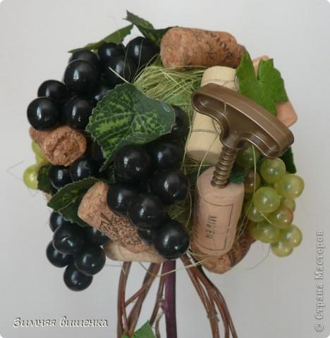 Всем привет!!!!!!!!!!! Наконец, у меня выросло виноградное дерево в компанию к деревьям Кокетки, Рыжехвостой, Еленче, Светленькой Ланы....!!!!!! Но у каждой из нас свой, особенный вариант. фото 2