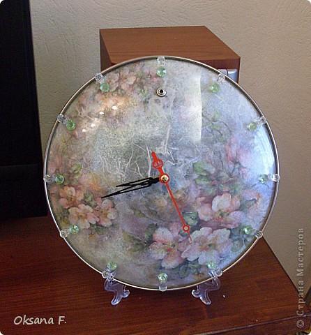 Что-то пробило меня на декупаж. Сделались часы из стеклянной крышки (Олечка (Рыжуля), я обещание выполнила))  фото 1