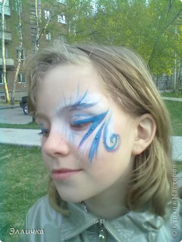 На празднике рисовала деткам мордашки аквагримом... но фотографировать сообразила только когда остались последние 3 ребенка))))) фото 3