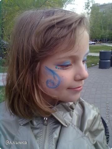 На празднике рисовала деткам мордашки аквагримом... но фотографировать сообразила только когда остались последние 3 ребенка))))) фото 4