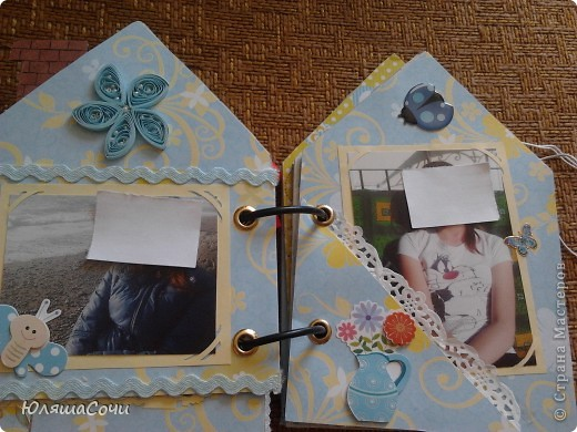 альбом-подарок двум девочкам-сестричкам.. фотки натаскали из контакта старшей и фоткали сами, поэтому сильно не подписывали..10 разворотов, 27 фоточек... каждый разворот разный...  фото 16