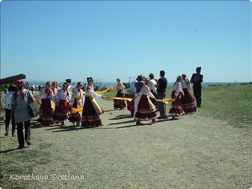 """19 мая было открытие этнографического музея """"Атамань"""" который находится в Краснодарском крае на Таманском полуострове. Я со старшими сыновьями приехали на этот праздник. Впечатлений - море, хотя и моря там хватало.  фото 25"""