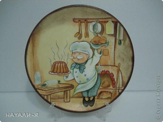 Комплект для кухни: заготовка деревянная для доски, глиняная тарелка, салфетки, акриловые краски, контуры. фото 3