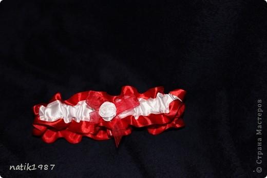 Вот такие подвязочки я сшила себе на свадьбу, у меня все в бело-красных тонах. На фото конечно не очень смотрится, но в целом я довольна...  фото 3