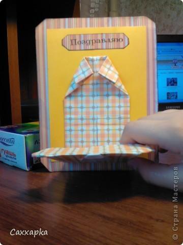 Мои очередные открытки!  Слева рубашечка оригами (ниже ссылка на МК) Эта открытка будет подарена моему дедушке на день рождение. Справа платьице (открытка) и небольшое колье.  Эта открытка подарена моей бабушке (просто так :)) фото 4