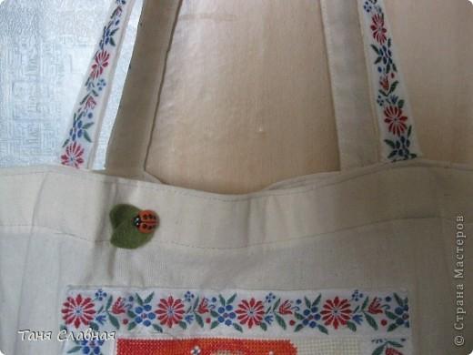 Пляжная сумка. Поленилась шить сама, купила полотняную сумку, только немного ее ушила, сделала более квадратной. фото 4