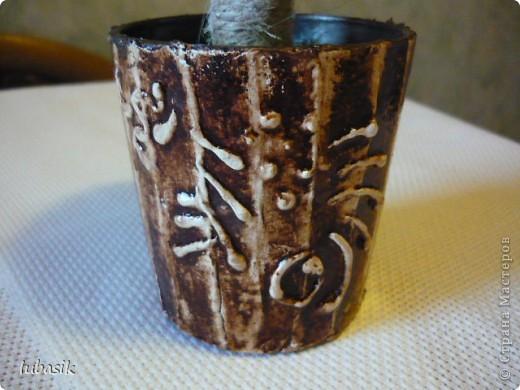 Мне так понравилось делать ароматные кофейные деревца, что я смастерила ещё одно! Как говорят, меня понесло, и в этом деревце, я наверно, перемудрила с укладкой зёрен. Но мне всё равно оно нравится. фото 6