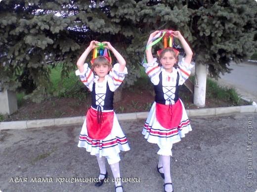 мои доченьки занимаются танцами вот шила костюмы.