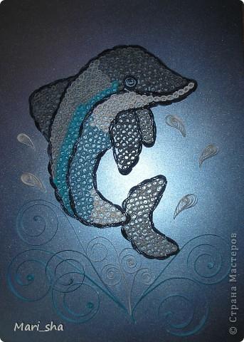 Такого дельфина сделали для участия в выставке вместе с сыном. Формат А4. Полоски 3 мм. фото 3