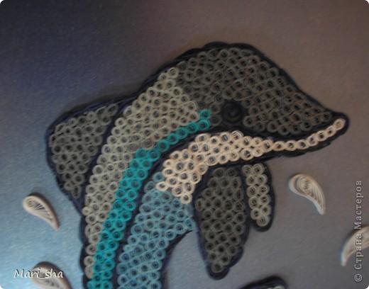 Такого дельфина сделали для участия в выставке вместе с сыном. Формат А4. Полоски 3 мм. фото 2