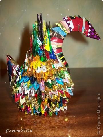 Этого лебедя я делала года 1,5 назад по МК Татьяны Николаевны Прсняковой. Белого лебедя подарила сразу же, а вот из фантиков жив до сих пор.   фото 2