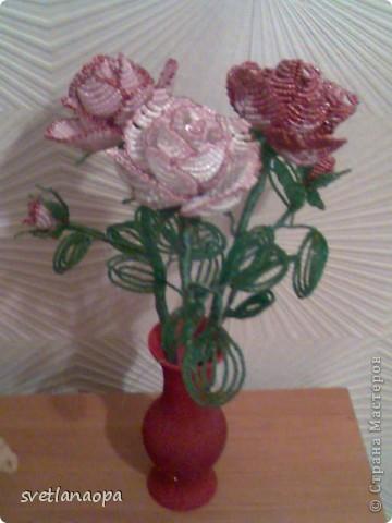 За  8 лет  сплела очень много роз  и по отдельности и в букетах.Буду загружать частями. фото 5