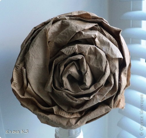 """Топиарий """"Фарфоровая роза"""". Очень много видела топиариев и в СМ в том числе. Но мне хотелось - одним цветком, а не букетом, а еще..... В общем, то что я хотела у меня получилось. А сделала я это так.... фото 8"""