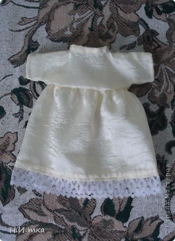 Сшила я куколку по МК  http://www.vsehobby.ru/kukla_iz_tkani.html , уж ооочень она мне понравилась. Расскажу немножко как она у меня рождалась. фото 8