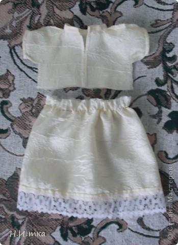 Сшила я куколку по МК  http://www.vsehobby.ru/kukla_iz_tkani.html , уж ооочень она мне понравилась. Расскажу немножко как она у меня рождалась. фото 7