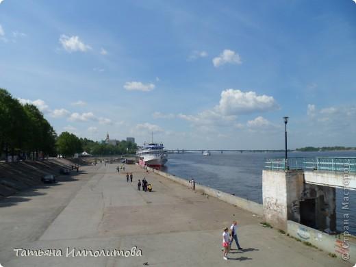По набережной реки кама в городе перми