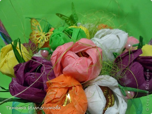 """Первый раз в жизни сделала """"сладкую корзиночку"""". Время на раздумья было не очень много и я остановила свой выбор цветов на мк Татьяны Николаевны,тем более,что подобные цветы я уже делала фото 1"""