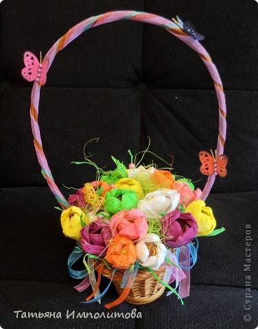 """Первый раз в жизни сделала """"сладкую корзиночку"""". Время на раздумья было не очень много и я остановила свой выбор цветов на мк Татьяны Николаевны,тем более,что подобные цветы я уже делала фото 2"""