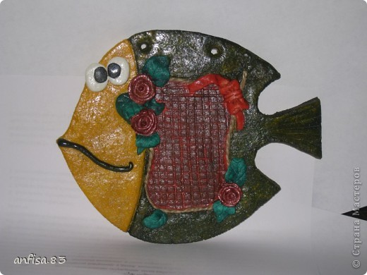 Долго собиралась изготовить таких рыб и вот собралась и получились у меня ОЧАРОВАШКИ! На первой рыбе можно написать поздравление или вставить записку с поздравлением, просьбой, пожеланием ........... фото 1