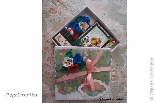 """Увидела открытку http://stranamasterov.ru/user/28190 """"Улыбнись!"""" и захотелось повторить, но так как квиллинг мне не покорился цветы я связала крючком. фото 2"""