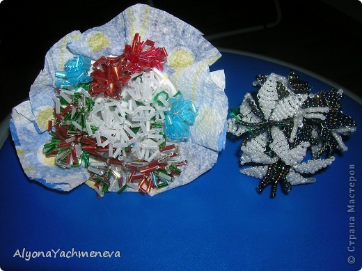 маленькие сувениры из бисера фото 5