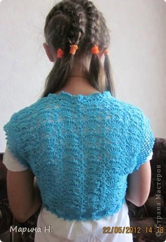 Вот такое болеро я связала для старшей дочки. За основу брала описание здесь - http://www.vjazali.ru/crochet/malenkoe-bolero-vyazanoe-kryuchkom-229.html . Правда, по ходу пришлось слегка импровизировать. фото 2