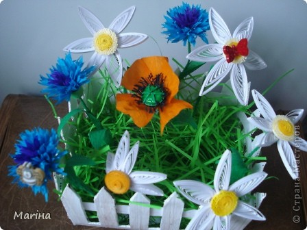 Всем здравствуйте! Очень мне понравились заборчики с цветами у  Витапро http://stranamasterov.ru/user/98067. Подвернулся и повод (день рождения у свекрови). Вот что из этого получилось. фото 1