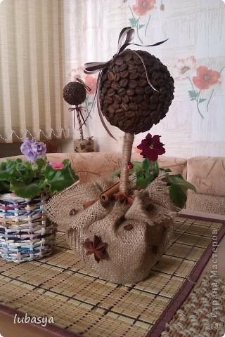 Вот, наконец-то, доделала еще одно деревце. Когда времени остается все меньше (до дня Х), то работа продвигается резвее. фото 2