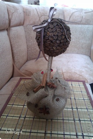 Вот, наконец-то, доделала еще одно деревце. Когда времени остается все меньше (до дня Х), то работа продвигается резвее. фото 3