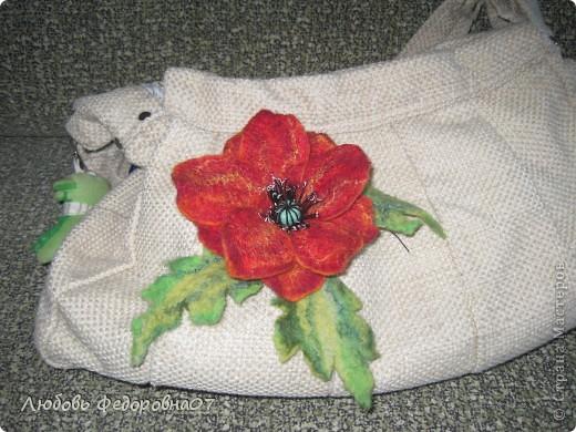 я сшила сумку и решила попробовать украсить фыльцеванием мак делала первый раз вроде получилось вам судить фото 1