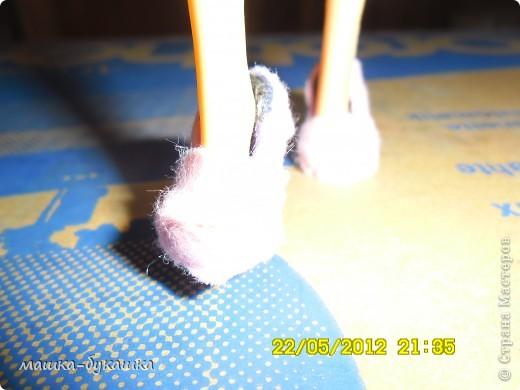Здравствуйте дети и их родители в этом блоге я хочу рассказать как делать тапочки для куклы барби.Итак приступим... фото 1