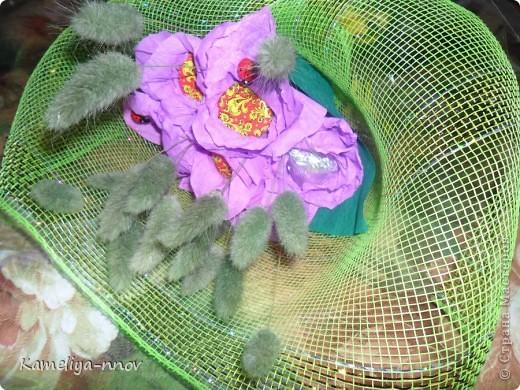 Конфетно-цветочный букет на 8 марта фото 2