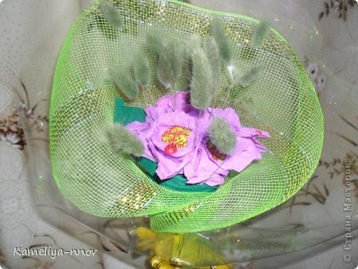 Конфетно-цветочный букет на 8 марта фото 5