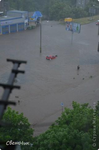 Дорогие жители Страны! Приглашаю вас прогуляться по Одессе, пройтись по ее улицам , Сегодня в Одессе прошел сильный дождь,  Перевыпь затопило сын возвращаясь с учебы попал в пробку,  фото 9