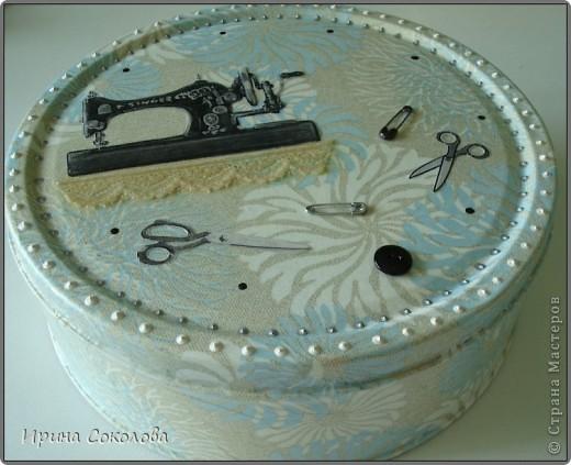 Короб для рукоделия выполнен в технике декупаж и аппликация. фото 12