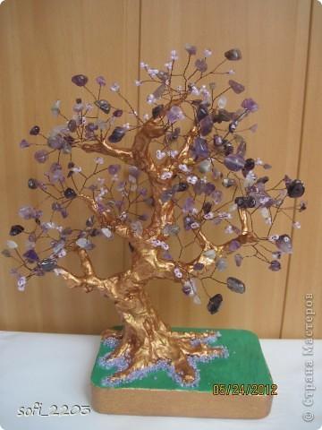Здравствуйте СМ. Наконец - то,   одна моя мечта  сбылась. Сделала я дерево из камня аметист и бисера!!! Вот такое оно у меня получилось!!!  фото 2