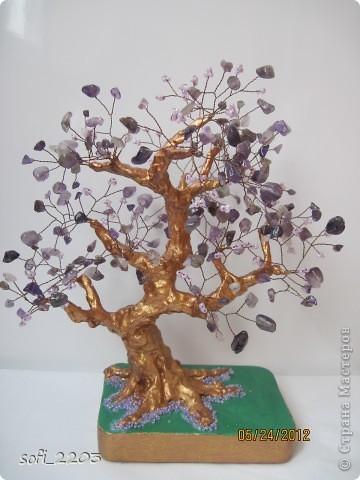 Здравствуйте СМ. Наконец - то,   одна моя мечта  сбылась. Сделала я дерево из камня аметист и бисера!!! Вот такое оно у меня получилось!!!  фото 1