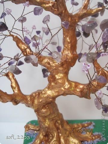 Здравствуйте СМ. Наконец - то,   одна моя мечта  сбылась. Сделала я дерево из камня аметист и бисера!!! Вот такое оно у меня получилось!!!  фото 3